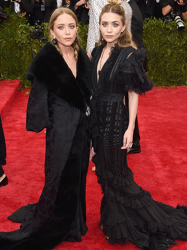 Met Gala 2015 Mary Kate Amp Ashley Olsen Are Glamorous