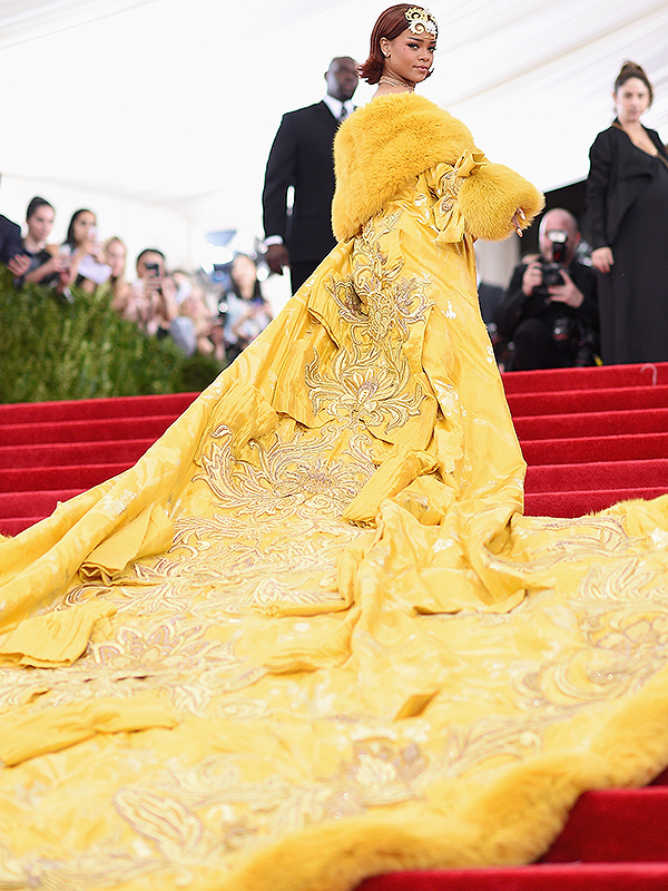 Met Gala 2015 Rihanna Dress