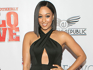 Tia Mowry-Hardrict: Tamera and I Both Knew When the Other One Was Pregnant – Call It Twin Telepathy!