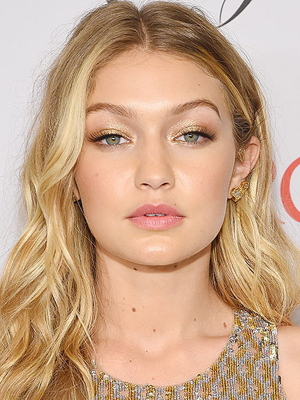 Look of the Week: Gigi Hadid at the 2015 CFDA Awards | Daily Read List