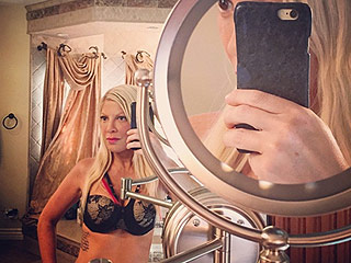 Tori Spelling Posts Bra Selfie, Says Her Sexy Lingerie 'Fights the Sag' (PHOTO)