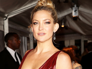 Kate Hudson's Outfit Fittings Are a Total Fashion Fairytale (PHOTO)