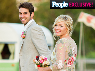 Jennie Garth and Her Bridal Glam Squad Spill All the Details on Her Wedding Day Look: Watch Now!