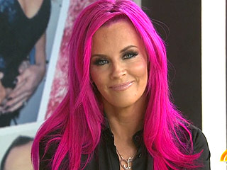 Jenny McCarthy Goes 'Hot B---- Pink:' It Only Took an Hour!