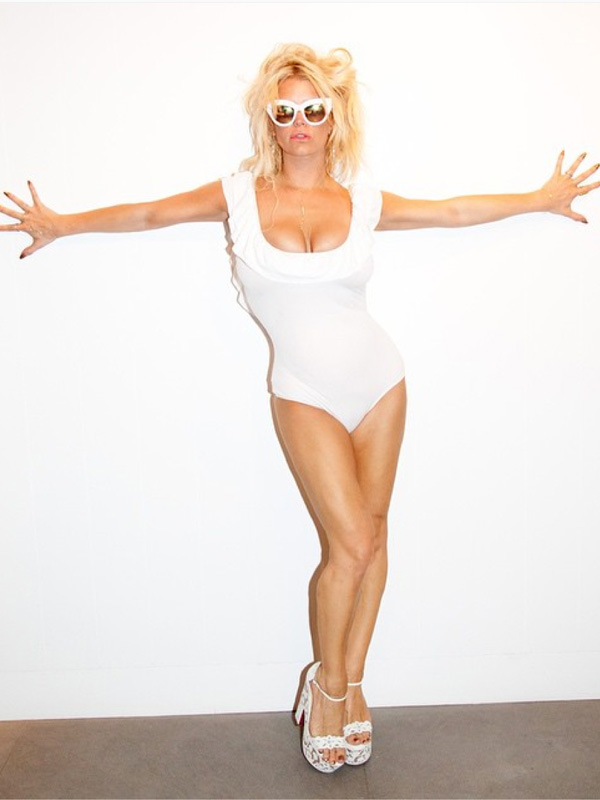 Jessica Simpson swimsuit photo