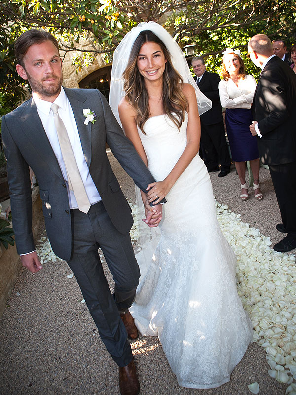 Victoria\'s Secret Angels\' Wedding Dress Style Is the Best (See ...