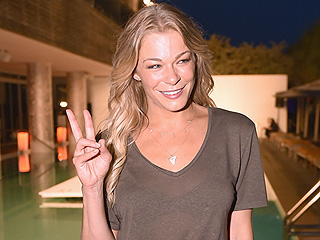 LeAnn Rimes' Beauty Routine Involves 40 Pills a Day and an At-Home Tanning Machine ('It's Like a Car Wash')