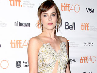 Dakota Johnson's Makeup Artist Explains Exactly How to Get the Star's 'Peaches and Cream' Look from TIFF