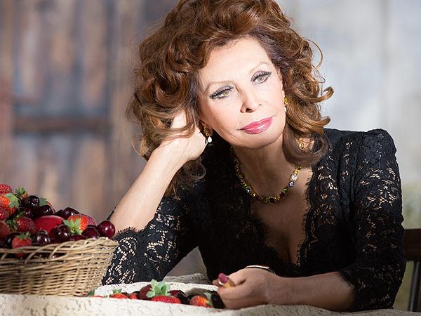 Sophia Loren's D&G Lipstick Campaign