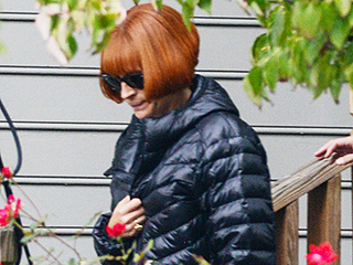 Julia Roberts Looks a Whole Lot Like Anna Wintour on the Set of Her New Movie