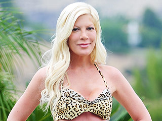 Mom Gone Wild! Tori Spelling Wears a Bold Cheetah Print Bikini for Backyard Photo Shoot