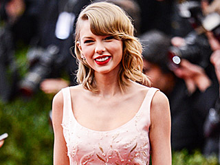 Taylor Swift Is Co-Chairing the 2016 Tech-Themed Met Gala: Here's What She Should Wear!