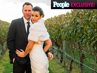 Bridget Moynahan and Andrew Frankel Agreed on Everything About Their Wedding – Except the Cake (PHOTO)