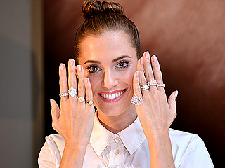 Allison Williams: I Wanted Sleeves on My Oscar de la Renta Wedding Gown Because 'I'm Always Cold!'