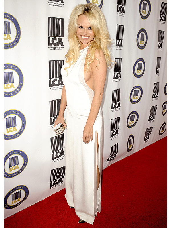 Pamela Anderson white gown