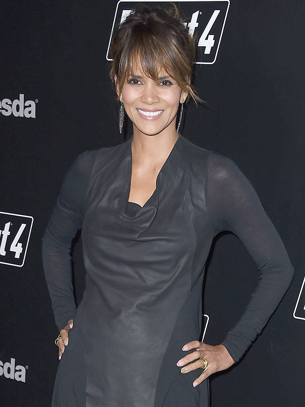 Halle Berry ring photo
