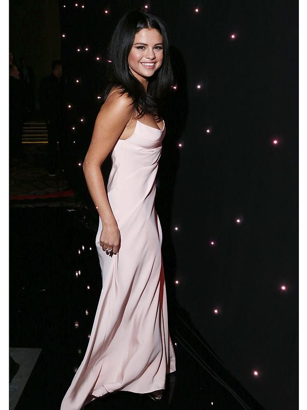 selena gomez pink dress