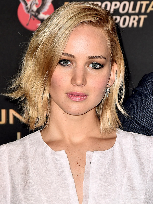 Jennifer Lawrence platinum blonde bob