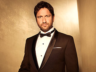 If You Date Gerard Butler, He's Going to Buy Your Christmas Gift Last-Minute (Consider Yourself Warned)