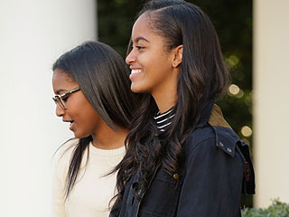 Malia and Sasha Steal the Show in Cute Outfits at White House Turkey Pardon