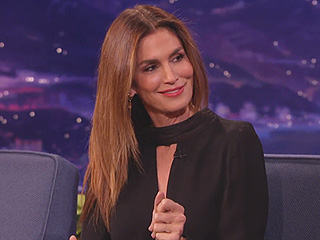Watch Cindy Crawford Demonstrate How to Flip Your Hair Like a Supermodel