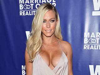 Kendra Wilkinson Is 'Playing with Fire' by Texting Other Men in Kendra on Top Teaser