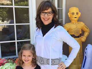 Lisa Loeb and Daughter Lyla Make 'Twinkle, Twinkle Little Star' Even More Magical Than You Remember