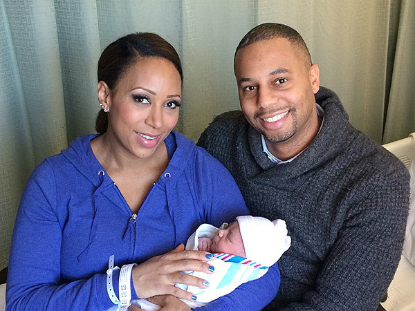 Mara Schiavocampo welcomes son Cruz