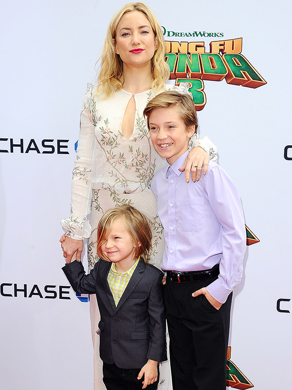 Kate Hudson Brings Sons Ryder and Bingham to Kung Fu Panda ...