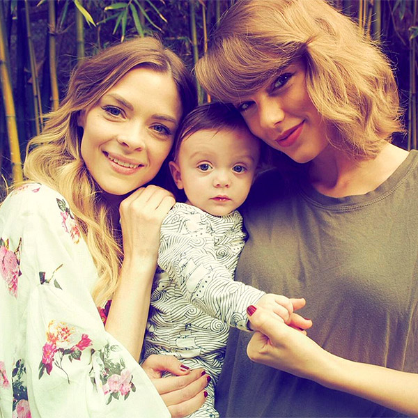 Taylor Swift, Jaime King and Leo Thames Newman