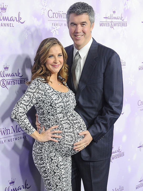 Kellie Martin Welcomes Daughter