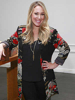 Haylie Duff on Breastfeeding Daughter Rather Than Losing Baby Weight ...