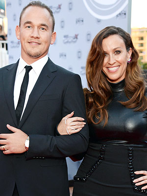 Alanis Morissette Pregnant Expecting Second Child