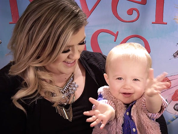 Kelly Clarkson River Rose children's book