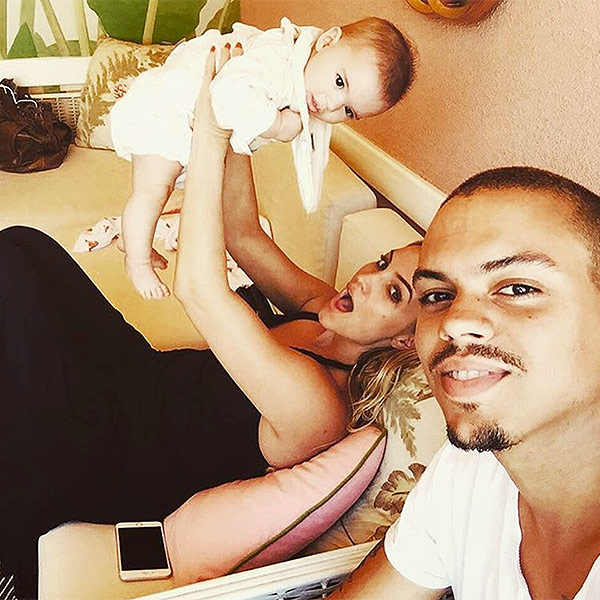 Evan Ross Ashlee Simpson daughter Jagger