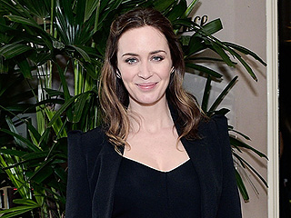 Emily Blunt Debuts Baby Bump Ahead of the Oscars