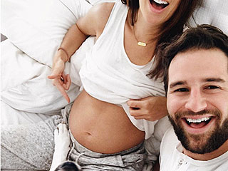 Former Bachelorette Jillian Harris Is Pregnant: 'I Can't Remember a Time Where My Heart Has Been SO Full'