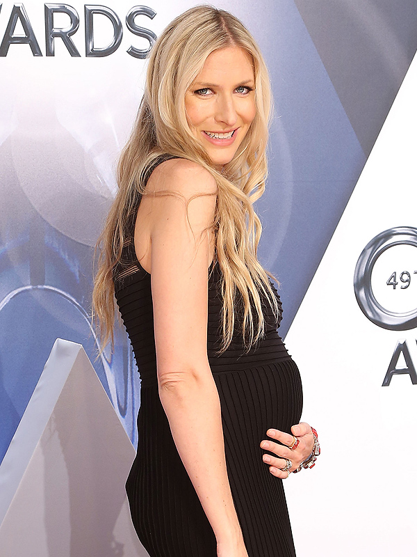 Holly Williams welcomes daughter Lillie Mae Louise