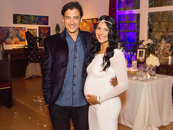 Andrew Keegan expecting daughter