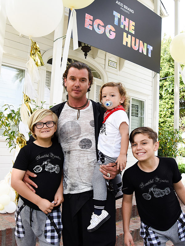 Gavin Rossdale with Kingston, Zuma and Apollo