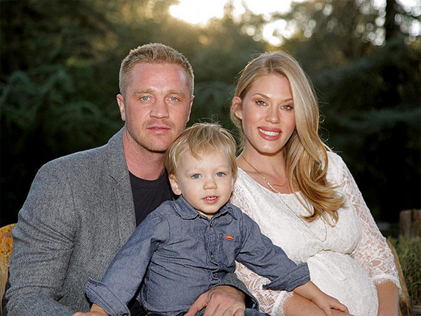 Devon Sawa Welcomes Daughter Scarlett Heleena