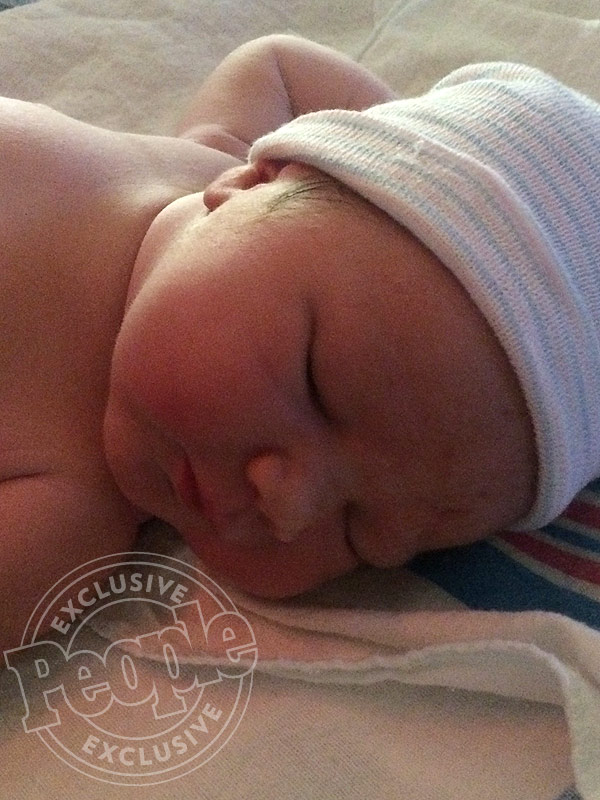Devon Sawa Welcomes Daughter Scarlett Heleena