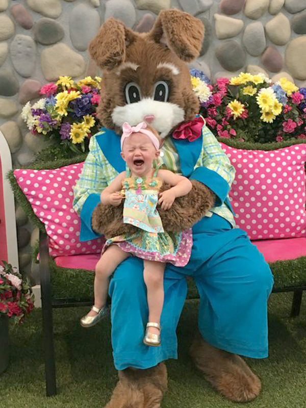 Kelly Clarkson daughter River Easter bunny