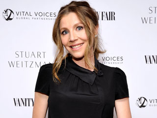 Surprise! Former Scrubs Star Sarah Chalke Is Expecting Her Second Child – Soon