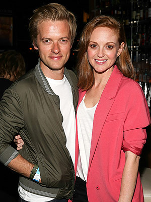 Jayma Mays pregnant expecting first child