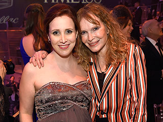 Pregnant Dylan Farrow Hits TIME 100 Gala With Mom Mia, Reveals She's Expecting a Girl!