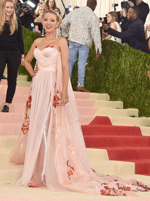 met gala 2016 blake lively pregnant on the red carpet
