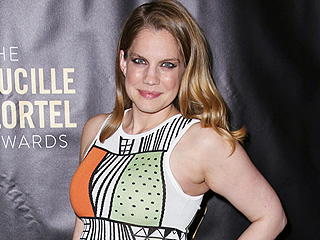 She's Got the Glow! Anna Chlumsky Debuts Her Baby Bump