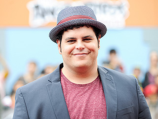 Josh Gad Says His Daughter Is 'Like a Velociraptor,' Jokes 'We Need to Create a Barrier from This Demon Child'