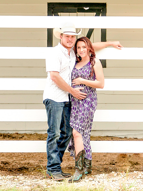 Taylor Earnhardt pregnant expecting daughter
